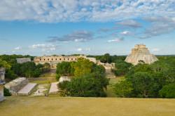 Pervymi piramidy, chto my vstretili vo vremja otpuska v Meksike, byli Ushmal'. Jeto – drevnij gorod indejcev Majja. Mne jekskursija sjuda ponravilas' bol'she vsego.