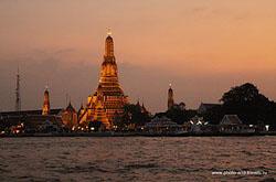 Kakie dostoprimechatel'nosti Bangkoka mozhno posmotret' za 1 den' chitajte v otchete o pervom samostoyatel'nom puteshestvii v Tailand v noyabre 2010 goda. Predstavlena skhema raspolozheniya interesnyh mest.