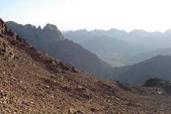 Na goru Horiv v Egipte, gde Moisej prinjal 10 zapovedej u Boga, my s zhenoj podnimalis' eshhe v 2008 godu celuju noch'. A zatem byl prekrasnyj rassvet.