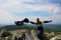 2. Prodolzhenie otcheta o pohode v gory CHelyabinskoj oblasti. Rasskaz o tom, kak my zabralis' na Mit'kiny skaly, skhodili v Dolinu skazok i pokorili samuyu vysokuyu vershinu Taganaya – goru Kruglica.