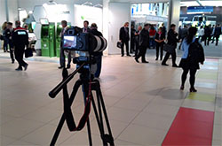 Kak na fotoapparaty Canon snimat professionalnye video Kakie nastroiki kamery ispolzovat Kakie aksessuary kupit dlia plavnoi videosieemki