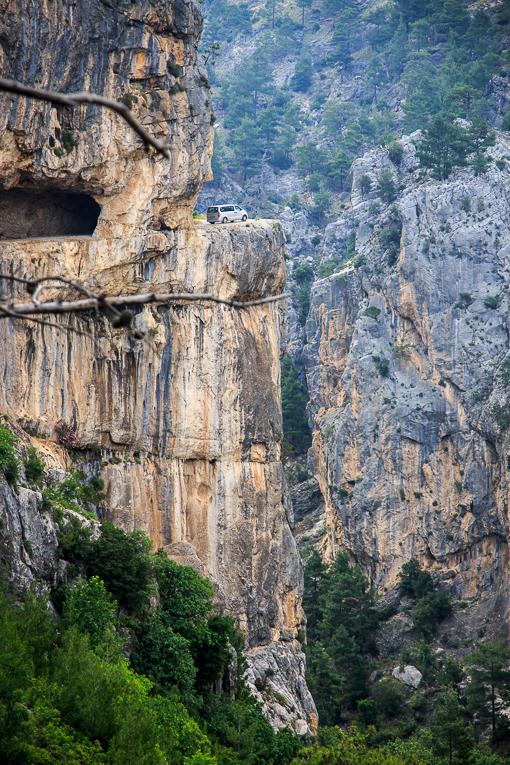 28. Фото из отчета Кирилла и Анны. Такие виды встречают путешественников в каньоне Чакыт. Куда заехать по дороге из Анталии в Каппадокию.