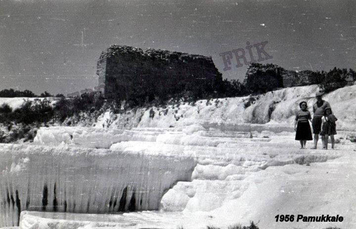 30. Виды в 1956 году. Фотосессия на фоне белых террас.