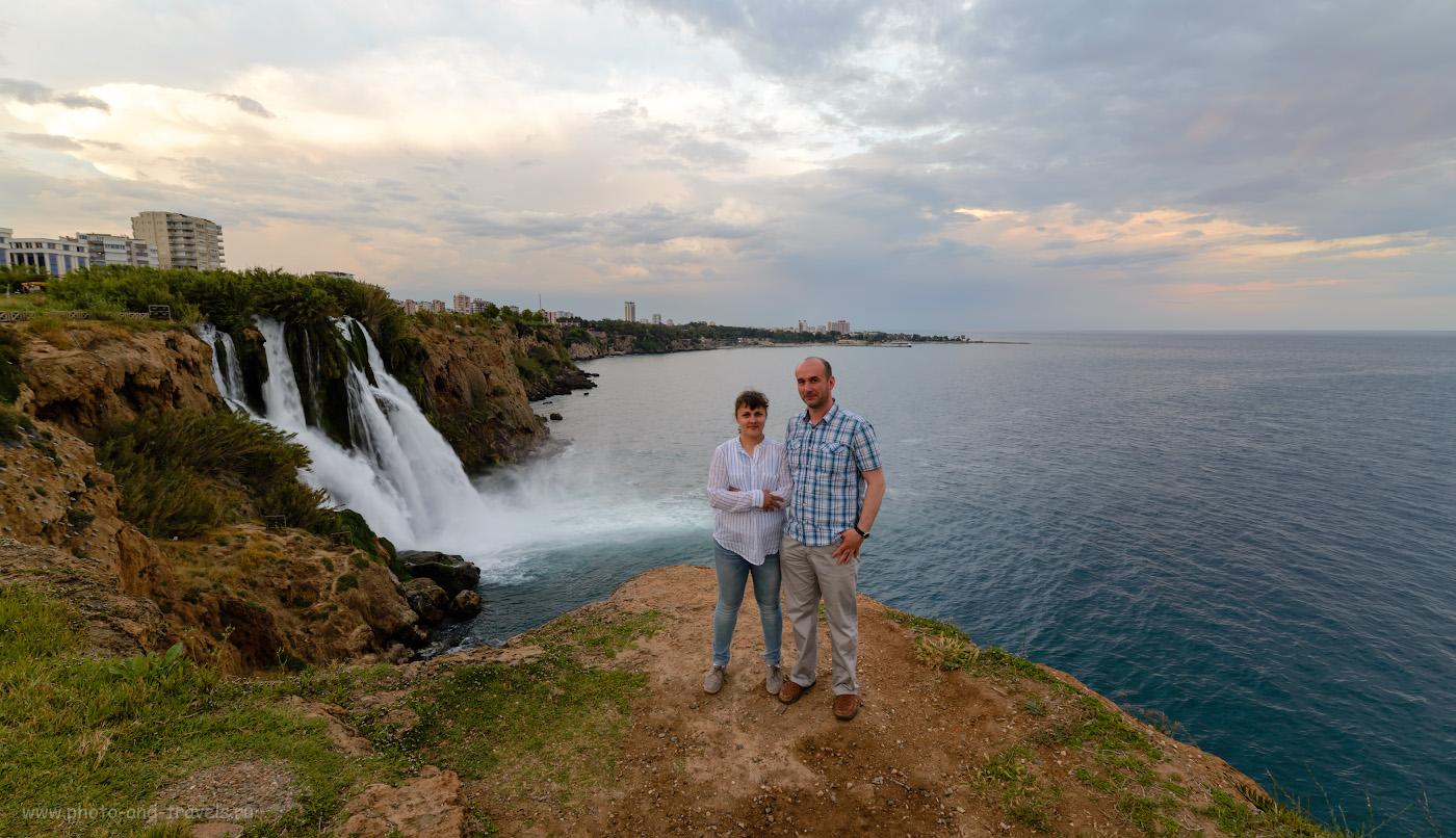 Фото 1. Вид на водопад Нижний Дюден в Анталии. Отзывы туристов об отдыхе в Турции самостоятельно в мае-июне. Снято со штатива Sirui T-2204X на полнокадровый фотоаппарат Nikon D610 с объективом Samyang 14mm f/2.8 со следующими настройками: выдержка 1/20 с, экспокоррекция -1.0EV, диафрагма 8.0, светочувствительность ISO 50, фокусное расстояние 14 мм.