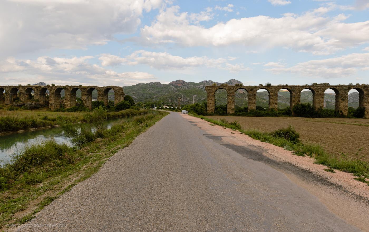 Фото 3. Остатки акведука для подачи воды в античный город Аспендос (Aspendos). Отзывы туристов об экскурсиях недалеко от Анталии. Путешествие по Турции на авто самостоятельно. 1/200, -0.67, 8.0, 100, 24.