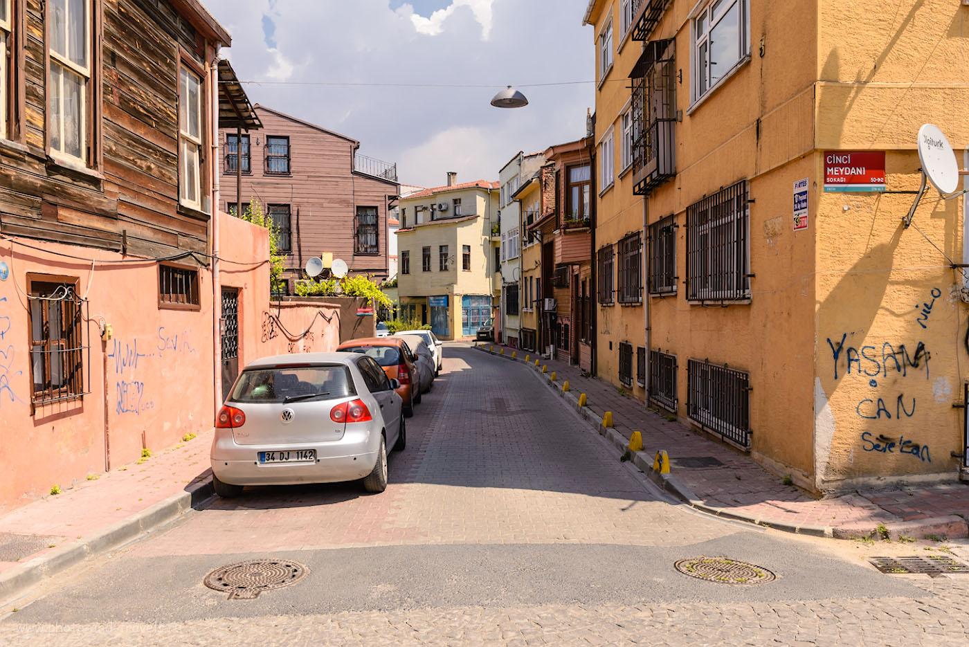 Фотография 8. Экскурсия по улочкам Стамбула. Туристы в Турции. 1/400, 8.0, 200, 28.