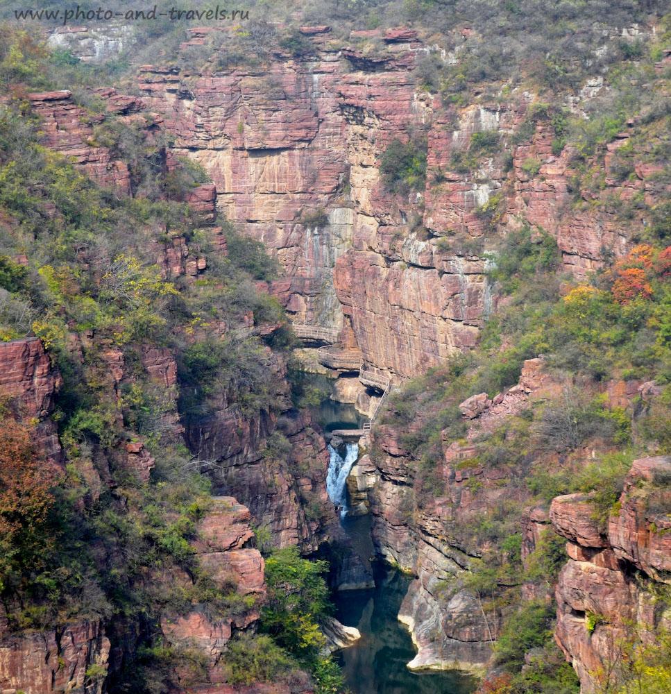 Фото 1. Долина красных скал (Red Rock Valley, Hongshi Valley,红石峡) – жемчужина национального парка горы Юнтай.