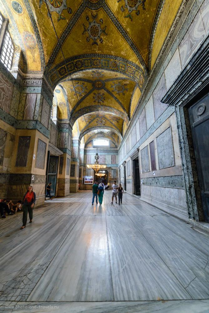 Фотография 17. Небольшой зал у входа в собор Айя Софию. Отзывы туристов о самостоятельной поездке в Стамбул. 1/13, 0.33, 5.6, 14.