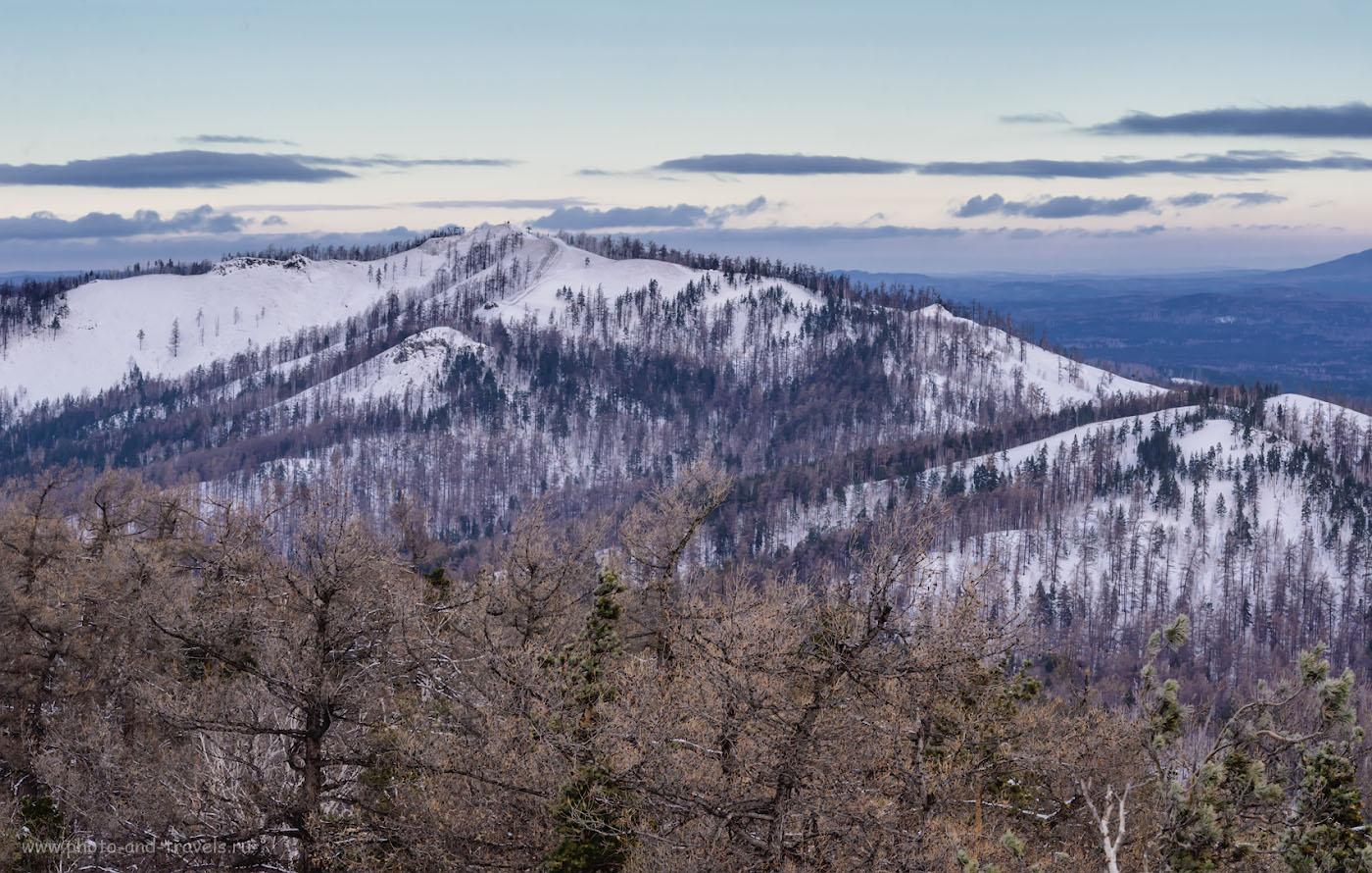 Фотография 14. Гора Егоза, на ней расположен горнолыжный комплекс, если лень подниматься пешком, можно сделать это с помощью подъемника. 1/400, -1.67, 11.0, 900, 110.