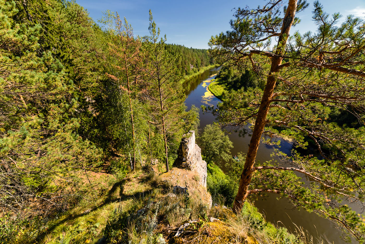 Фото 7. Вид на реку Чусовая со скалы Георгиевский камень.