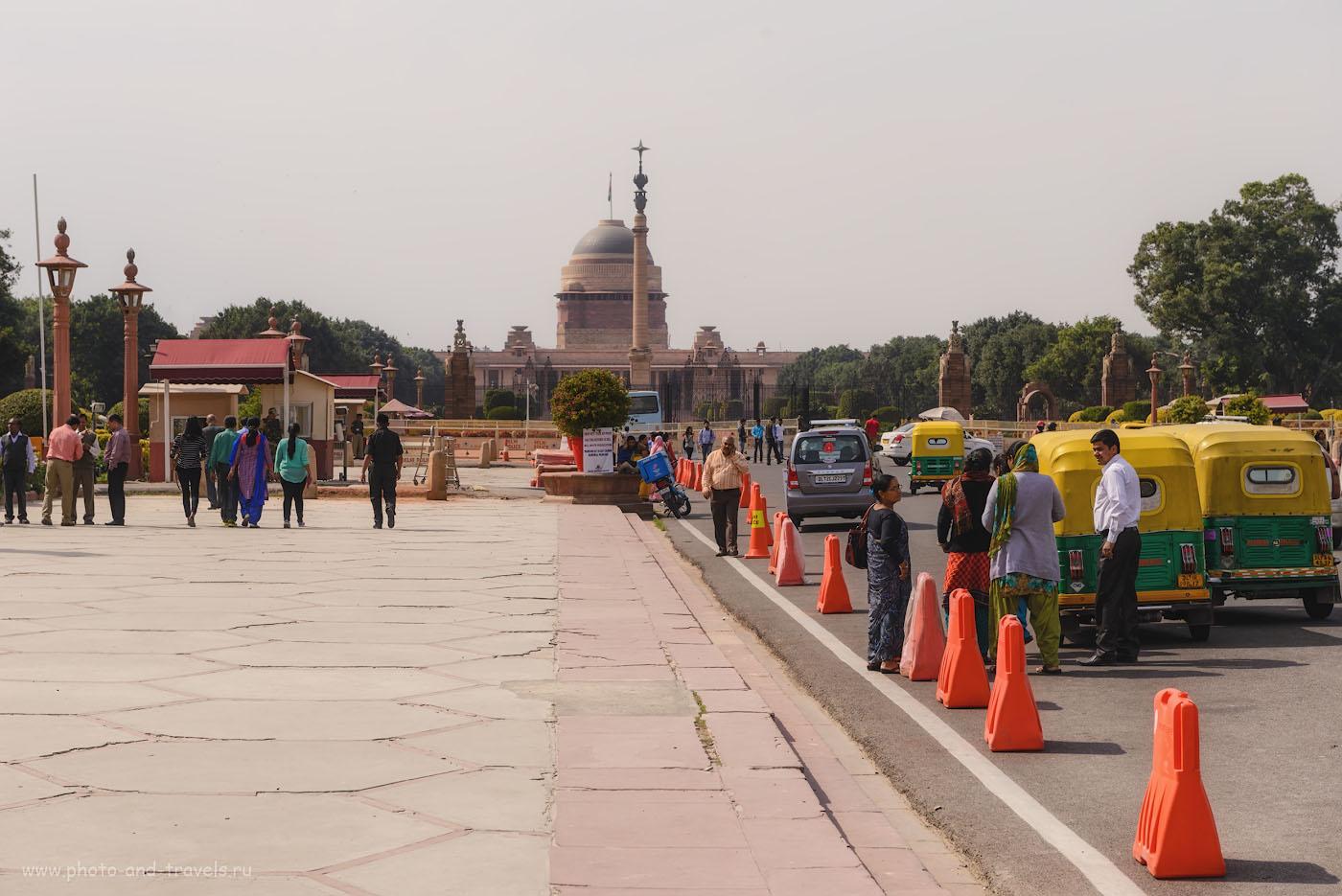 Фотография 22. Вот такая Индия встречает вас на станции метро «Central Secretary». Президентский дворец Раштрапати-Бхаван (Rashtrapati Bhavan). Nikon 70-200 + экстендер Nikon TC-14E II. 1/320, 9.0, 100, 70.