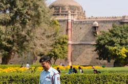 Gde poselitsia i gde mozhno poest na Mein-Bazare v Deli Fotootchet ob ekskursii v Purana-Kila i v Krasnyi fort.