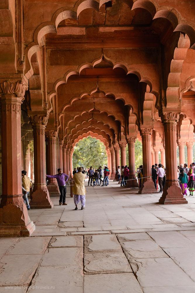 Фото 16. Зал для широких аудиенций Диван-и-Ам (Divan-i-Am) в крепости Красный форт в Дели. 1/80, 8.0, 800, 40.