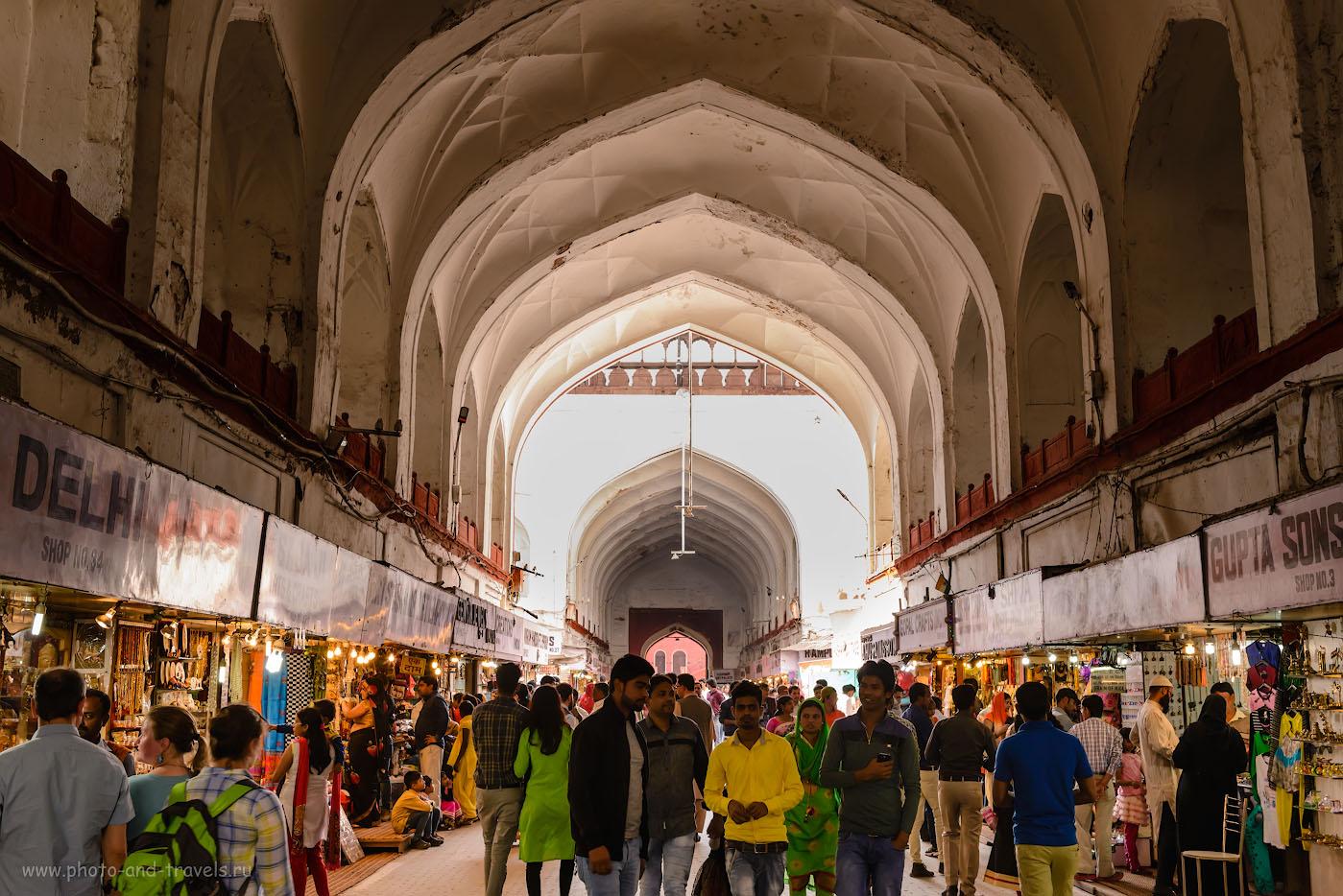 Фотография 21. Сувенирные ряды в Красном форте. Отчет о поездке в Дели. 1/80, -0.67, 8.0, 640, 35.
