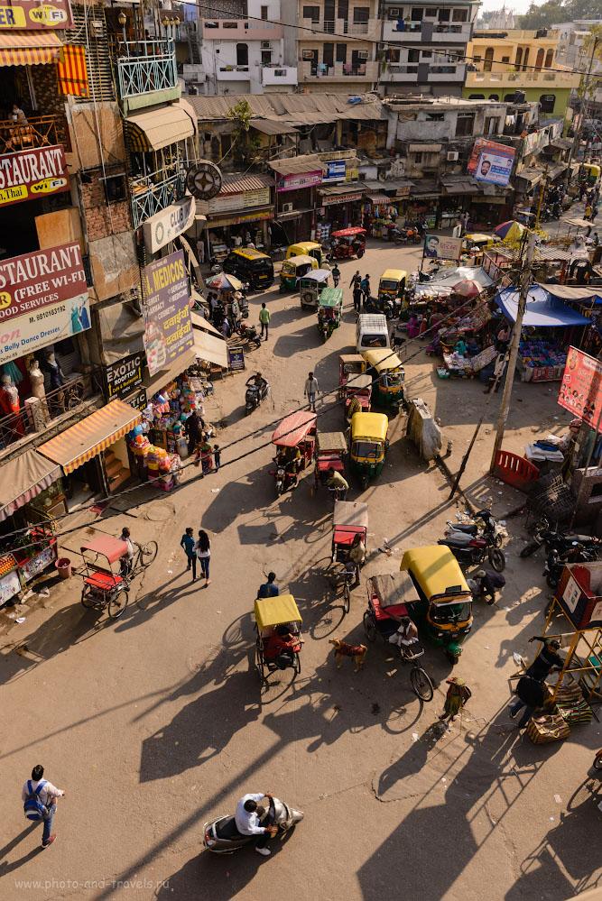 Фото 28. Вид на улицу Рамдвара роад (Ramdwara Rd). Фруктовые ряды с вкуснейшим виноградом, апельсинами, клубникой находятся за поворотом. 1/160, -0.33, 9.0, 100, 27.