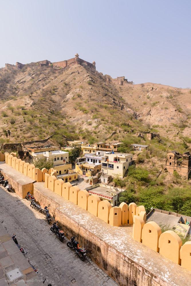 Фотография 9. Со стен одной крепости видна вторая – Джайгарх (Jaigarh Fort). 1/500, +0.67, 5.0, 100, 24.