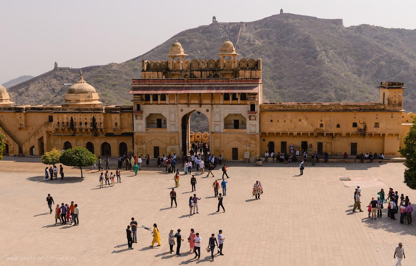Фотография 7. Вход на территорию форта Амбер. Отчеты туристов об экскурсиях по Джайпуру самостоятельно. 1/320, -0.33, 8.0, 100, 38.