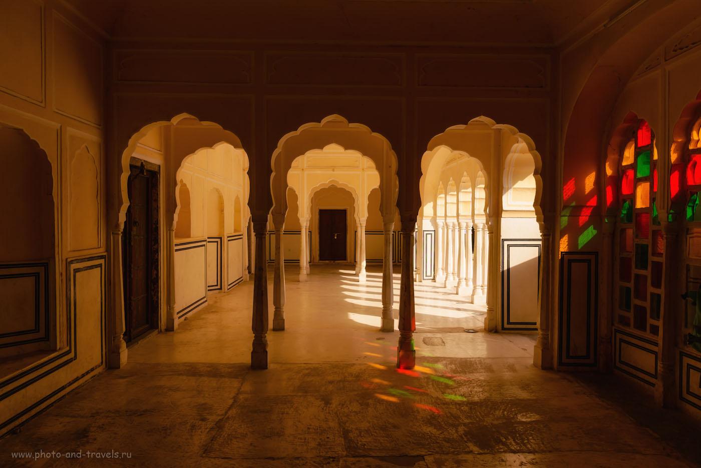 Снимок 10. Интерьеры дворца Хава-Махал. Отзывы туристов об экскурсиях по Джайпуру.1/320, -0.67, 7.1, 100, 24.