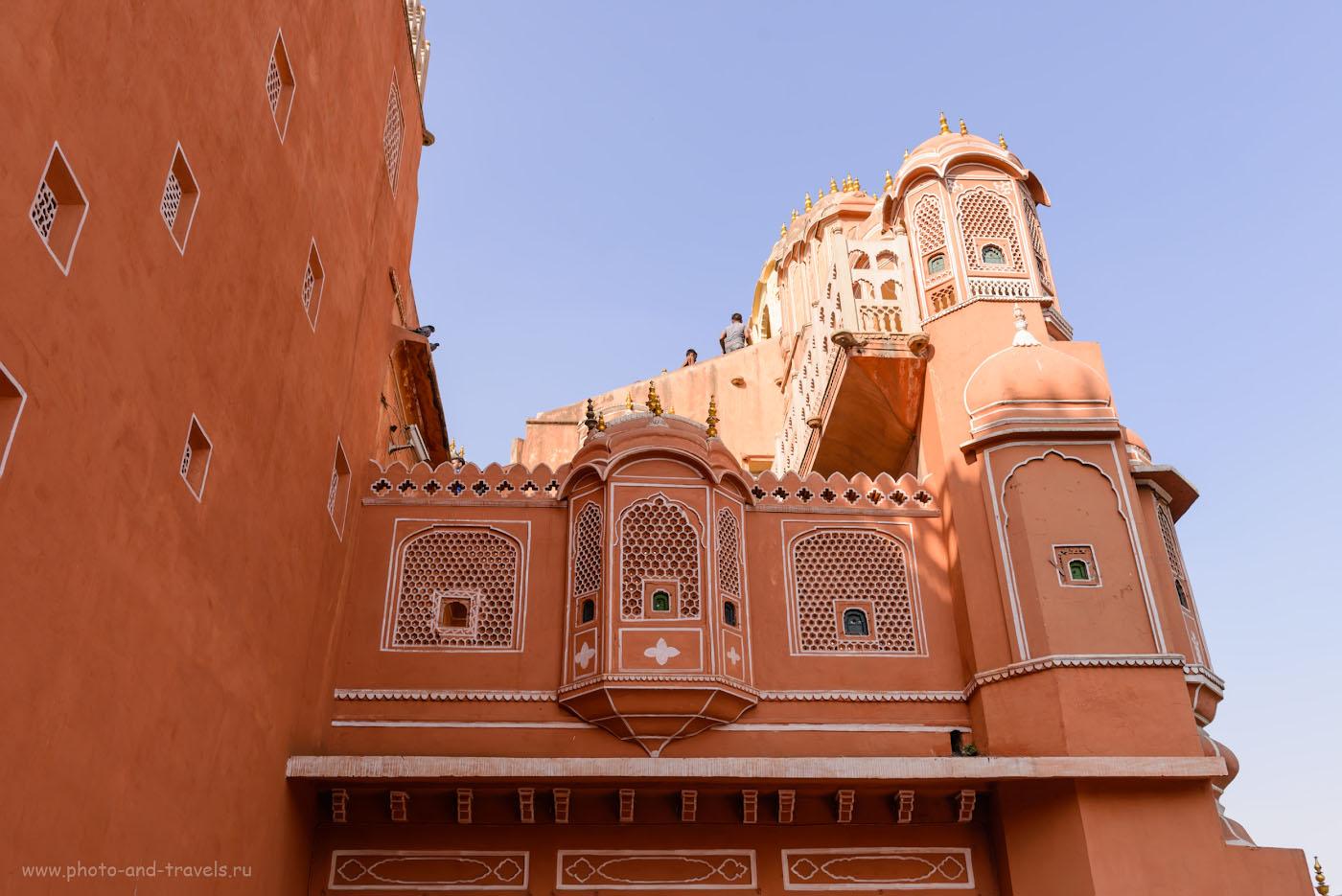 Фотография 11. Затейливая архитектура Дворца ветров в Джайпуре. Отчет о самостоятельной поездке в Индию. 1/200, 7.1, 100, 31.