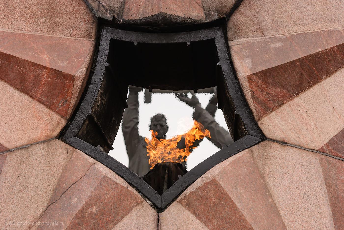Фотография 2. Памятник «Тыл - фронту». Найдите время, поклонитесь подвигу наших бабушек и дедушек, если собираетесь поехать отдохнуть в Башкирию через Магнитогорск. 1/400, -0.33, 5.6, 200, 75.