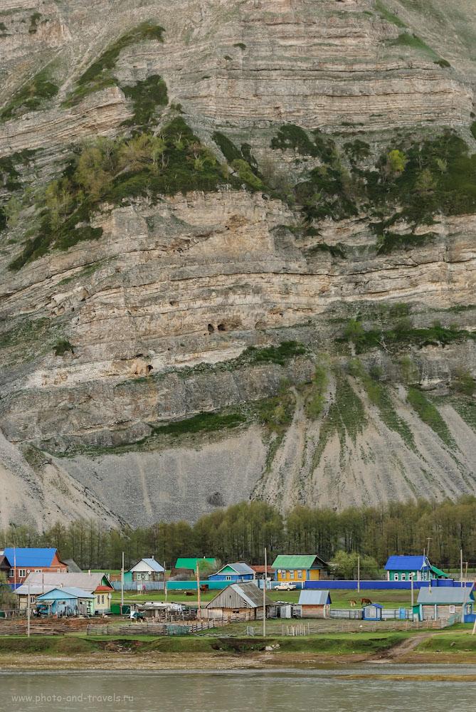 Фотография 37. Деревня Таш-Асты у подножья скалы Уклы-Кая. Впереди – река Зилим. 1/160, -0.33, 2.8, 320, 98.