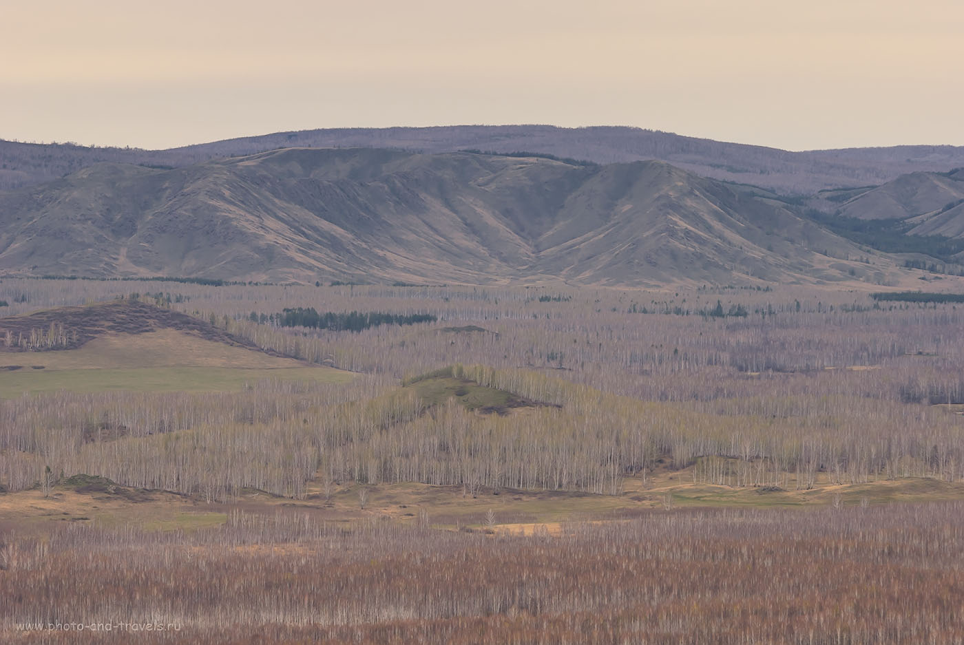 Снимок 43. Прошлогодние майские праздники мы съездили тоже отдохнуть в Башкирию, и забрались на этот хребет Нурали. 1/250, -0.33, 8.0, 250, 155.