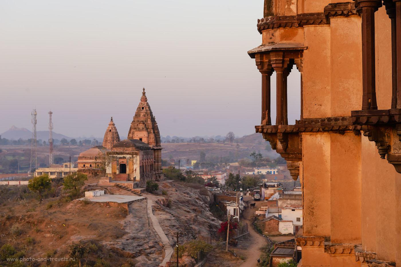 Фото 14. Вид со стен храма Чатурбхудж Мандир в Орчхе. Отзывы о поездках в Индию. 1/160, -0.67, 8.0, 450, 70.