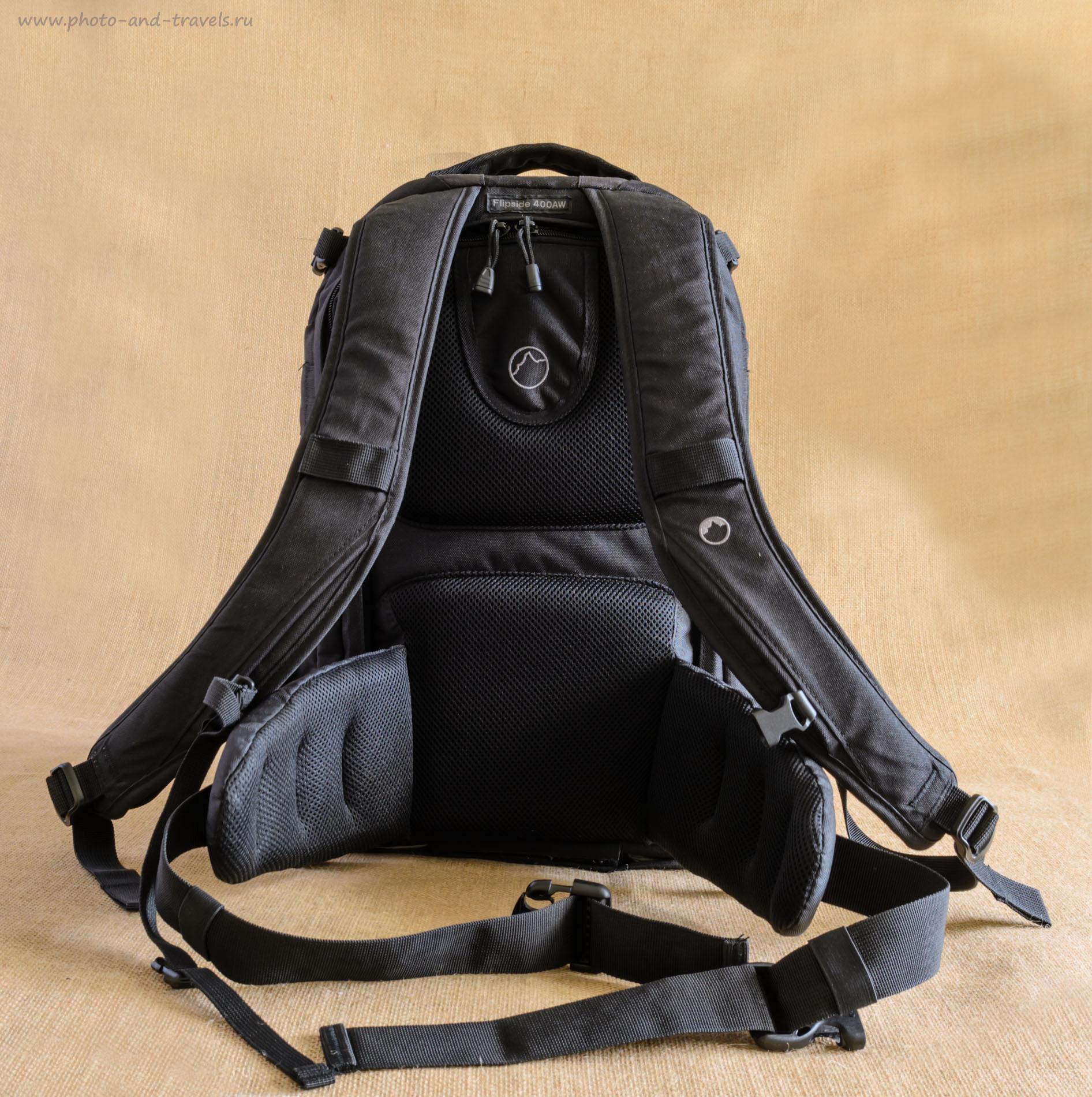 Фото 19. Особенность модели Lowepro Flipside 400 AW – крышка открывается со стороны спины фотографа. Тем самым повышается безопасность от кражи аппаратуры.