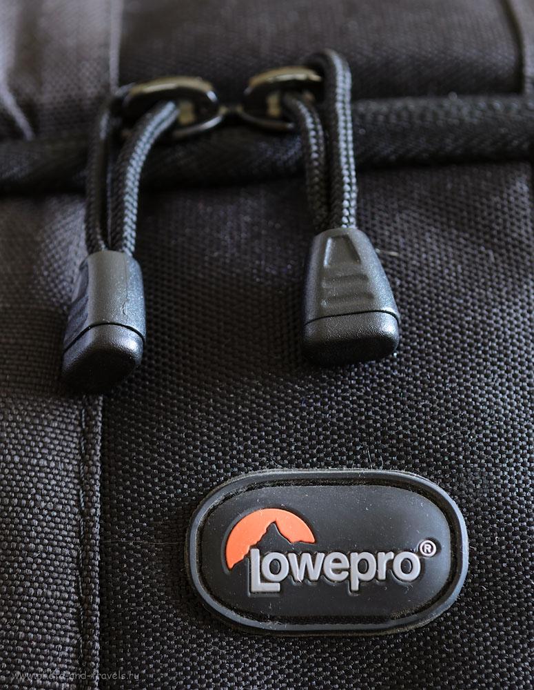 Фотография 6. Фоторюкзак Lowepro Flipside 400 AW оснащен качественными замками.