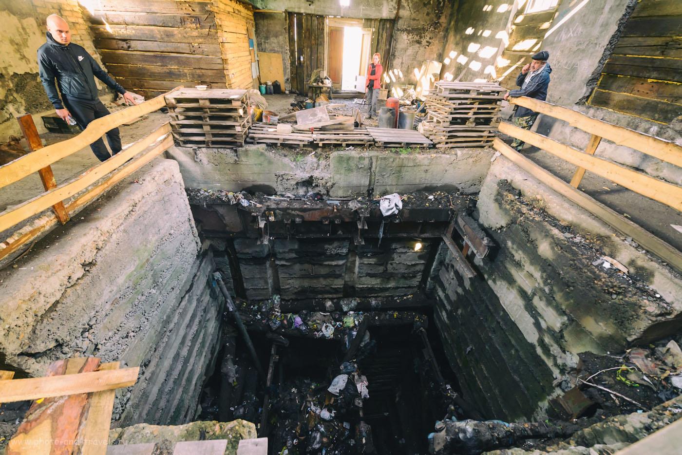Фотография 31. Ствол шахты по добыче титаномагнетита в поселке Магнитка. 1/30, 4.5, 1600, 14.