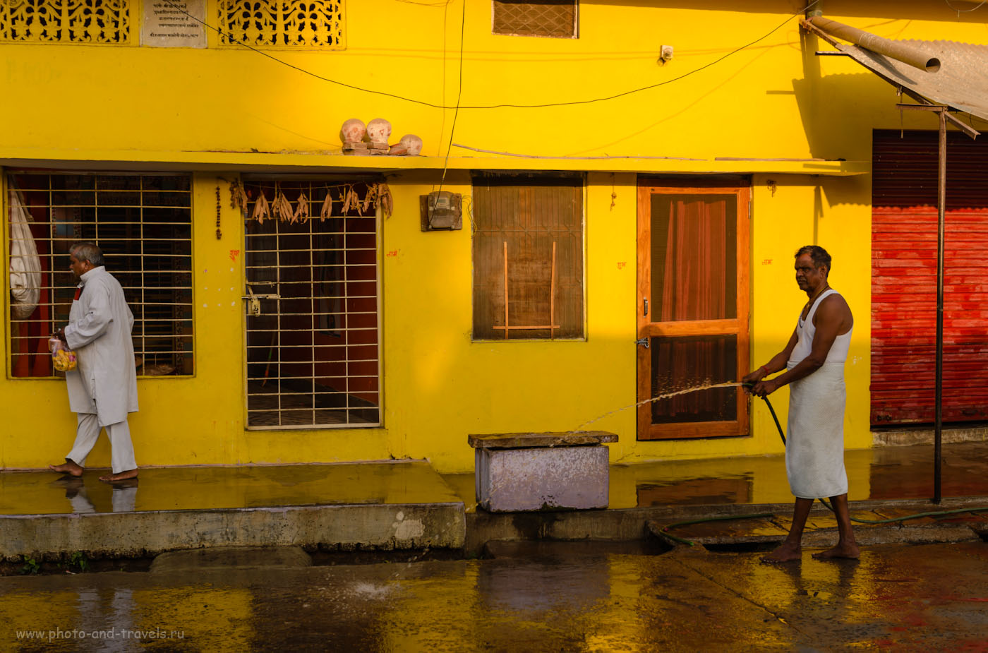Фотография 2. Влажная уборка в Орчхе. Отчеты туристов о поездке в Индию самостоятельно. 1/400, 4.5, 100, 56.