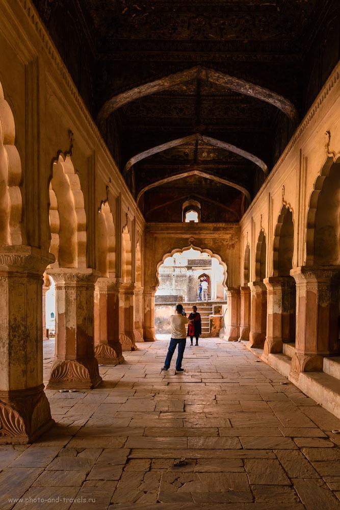 Фотография 3. В этой поездке по Индии такие арки мы уже фотографировали, и не раз. Экскурсия во дворец Радж-Махал в Орчхе.