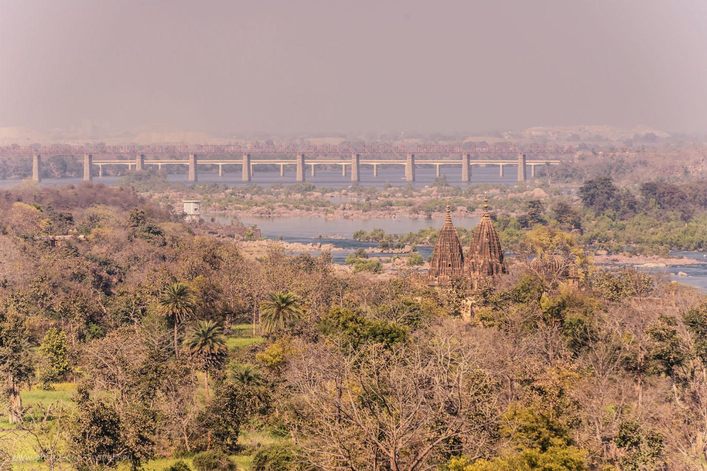 Снимок 25. Живописная река Бетва в окрестностях средневекового города Орчха.