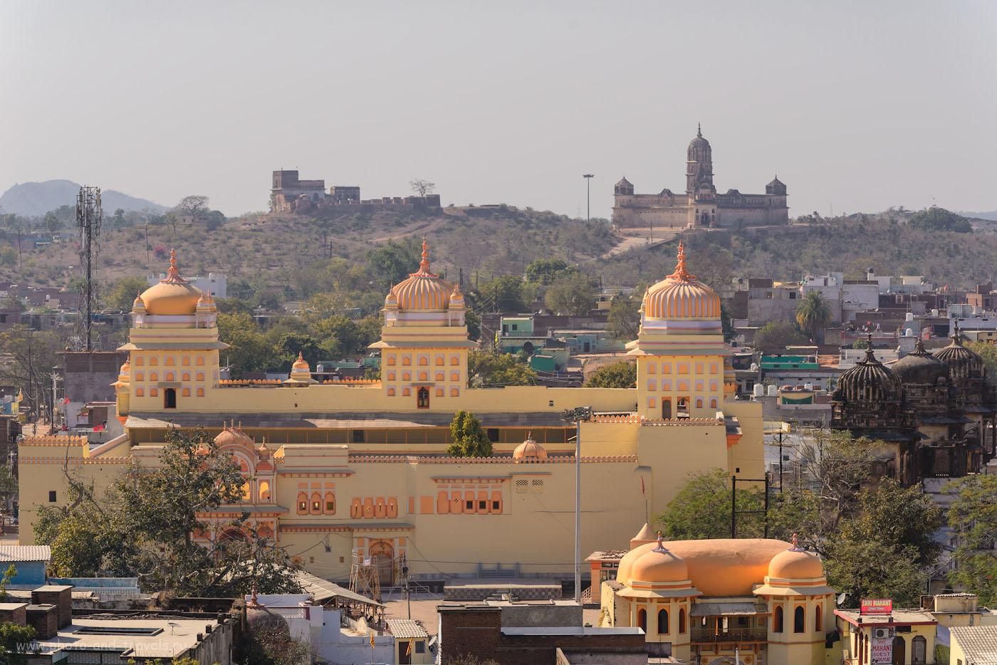Фото 24. На долине привлекает внимание храм ЛакшмиНарайан Мандир. С него тоже хороший ракурс для съемки Орчхи на рассвете.