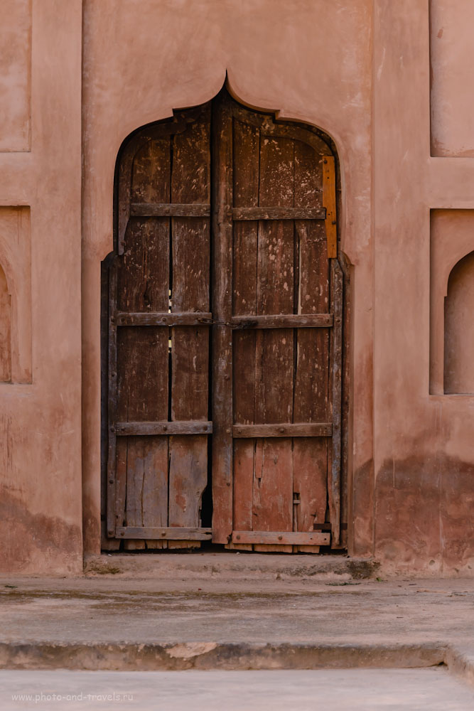 Снимок 23. Потайная дверь во дворце Радж-Махал.