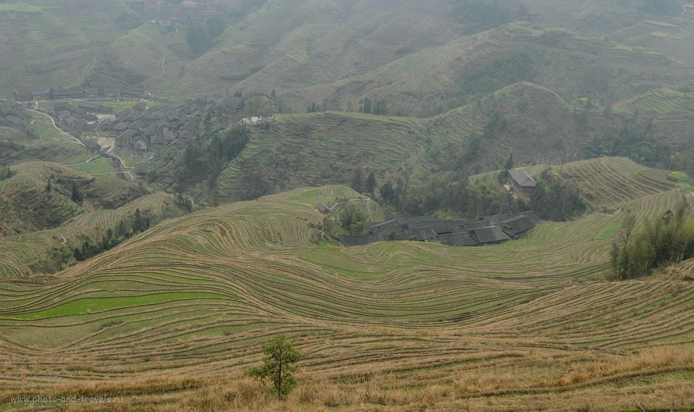 Фотография 8. Внизу - наша деревенька Дажай. Сюда приезжают на экскурсии из города Гуйлинь или их Фэнхуан