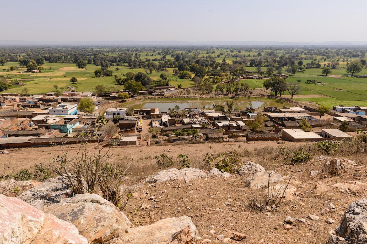 Фотография 25. Так выглядит обычная, нетуристическая деревня в центре Индии. 1/250, 9.0, 100, 24.