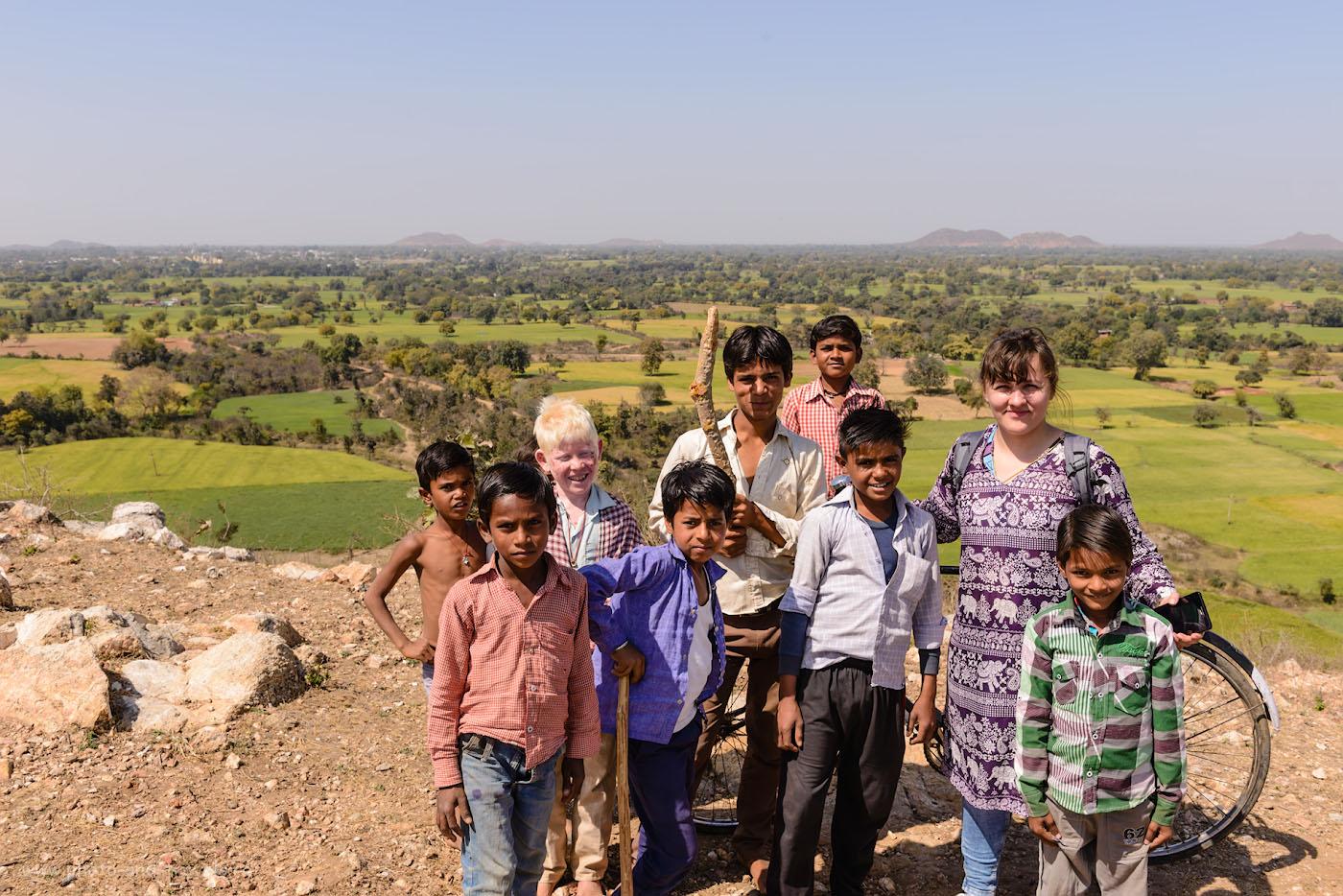 Снимок 26. Один обычный день в горах Центральной Индии. Далеко позади – Кхаджурахо. 1/250, 9.0, 100, 32.