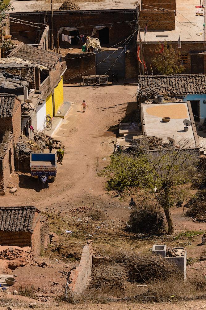 Фотография 29. А внизу – настоящая жизнь глубинки Индии. 1/500, 9.0, 220, 230.