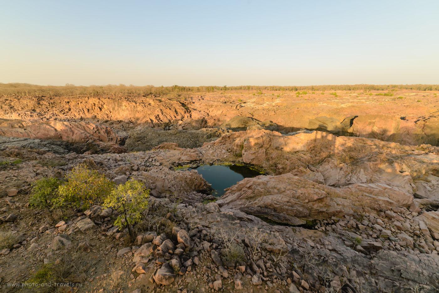 Фото 12. Безлюдные дали в пойме реки Кен. Отзывы о посещении водопадов Raneh Falls. Фотоаппарат Nikon D610, объектив Samyang 14mm f/2.8. Настройки: 1/80, -1.33, 8.0, 100, 14.