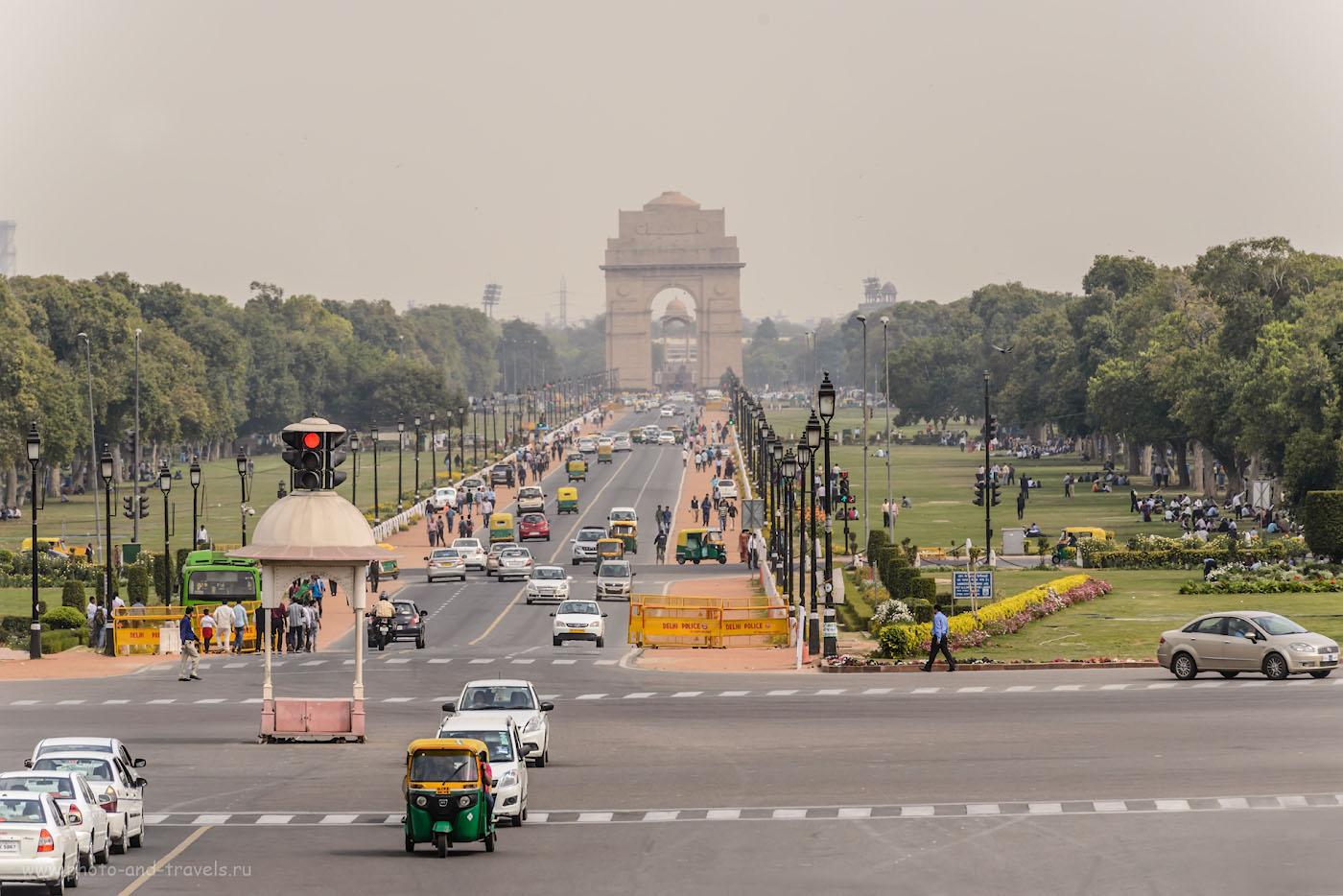 Снимок 32. Арка «Ворота Индии» на проспекте Раджпатх в Дели. Отзывы туристов о самостоятельных экскурсиях за один день.
