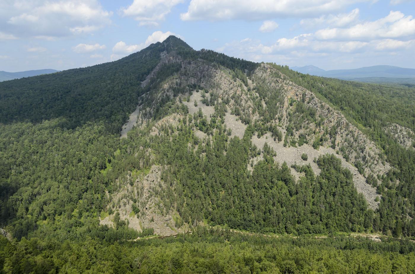 Фото 9. Тот же пейзаж, но без полярика. Гора Малый Ямантау в Башкирии. Настройки, использованные при съемке: 1/320, f/6.3, 100, 18.