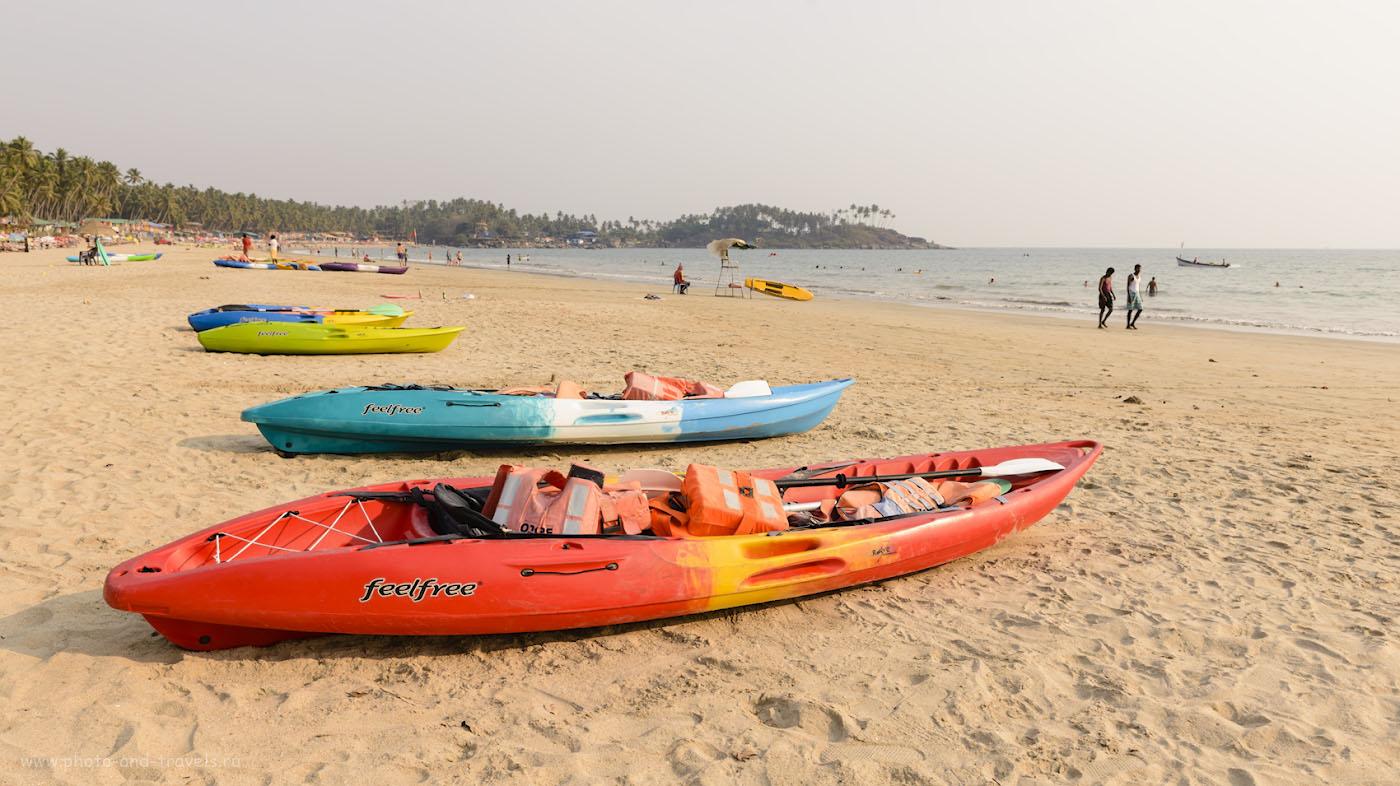 Фото 2. Пляж Палолем на Южном Гоа в марте. Ни волн, ни туристов. Камера Nikon D610, репортажный объектив Nikon 24-70mm f/2.8G. Настройки: 1/250, +0.33, 10.0, 100, 29.
