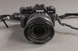 Obzor liubitelskoi bezzerkalki Fujifilm X-T10 i sravnenie ee s bolee novoi modeliu FujiX-T20 Pochemu ona menia dovela do belogo kaleniia.