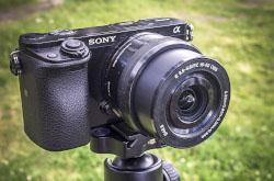 Krome ponimaniia rezhimov raboty avtofokusa nuzhno znat na chem sfokusirovatsia V razdelakh 3 i 4 obzora Sony A6000 est mnogo informatsii kak snimat rezkie fotki