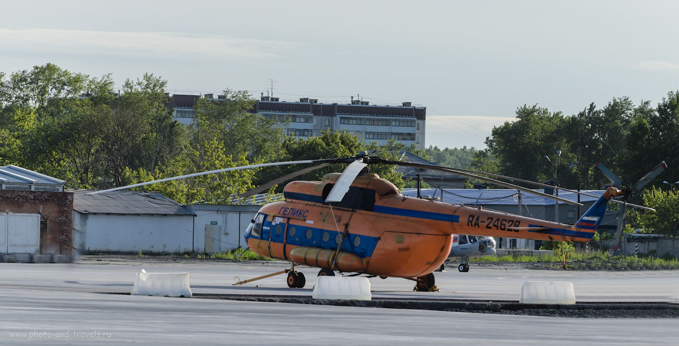 """2. Оранжевое настроение. Споттинг в аэропорту """"Кольцово"""". Видимо, снимал на автомате, так как здесь ISO 400 совершенно лишнее: достаточно 100 единиц. Настройки: 1/1600, 5.3, 400, 200."""