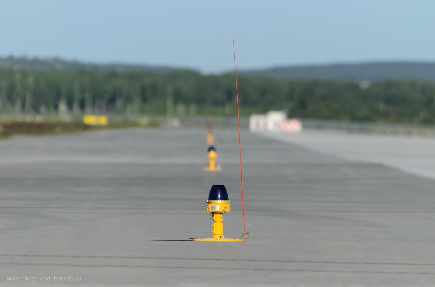10-1. Во время споттинга рекомендуются фотографировать и детали окружающей обстановки, признаки аэропорта. 1/2000, 5.6, 320, 300.