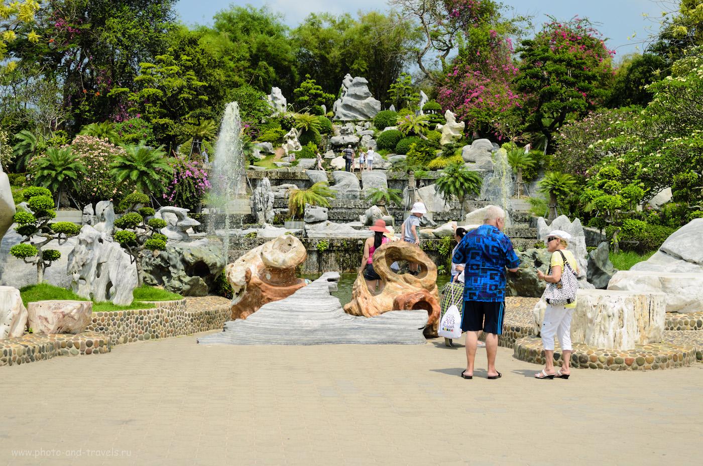 Фото 4. Одно из самых красивых мест в Парке Миллионлетних камней - фонтаны. Здесь можно покормить рыбок. Отзывы об экскурсиях в Паттайе во время отдыха в Таиланде. 1/500, 3.5, 100, 38.