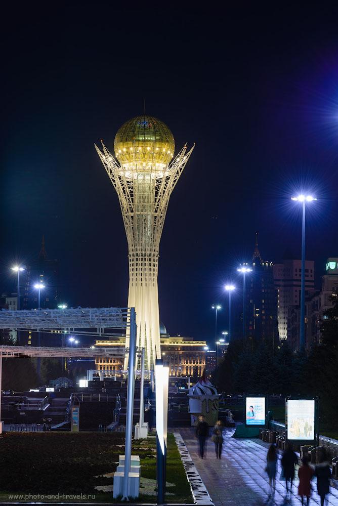 Фото 2. Символ Астаны - Байтерек, 97-метровая башня с шаром наверху. Сюда можно подняться во время путешествия в Китай. Настройки при съемке: 2.5 сек., +1.33EV, f/9.0, ISO 100, ФР=135.