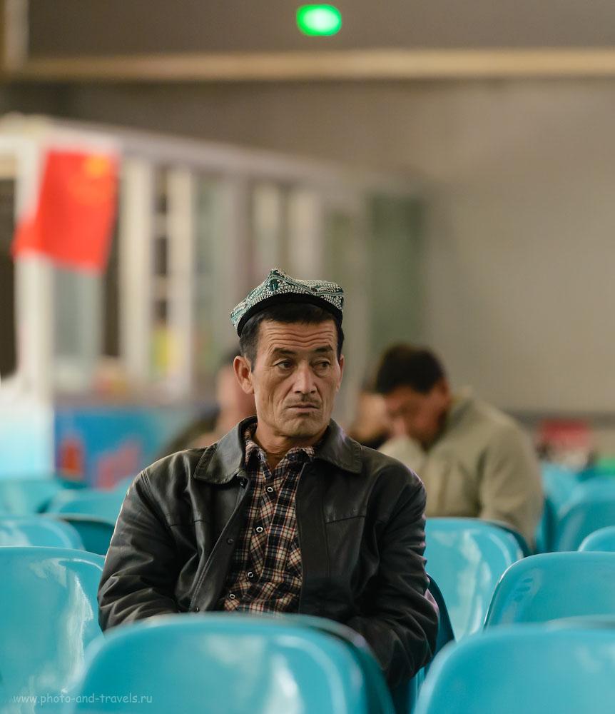 Фотография 25. Теперь в СУАР бородатых уйгур не встретить, так как борода – признак исламского радикализма, за ее ношение светит 5 лет тюрьмы и лагеря по промыванию мозгов (пропаганда дружбы народов в Китае). 1/400, 2.8, 3600, 190.